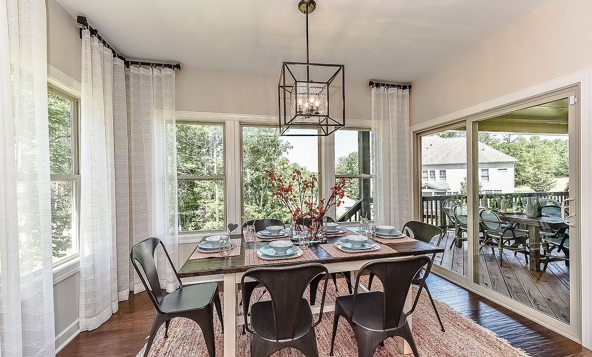 Redwood plan Breakfast Room