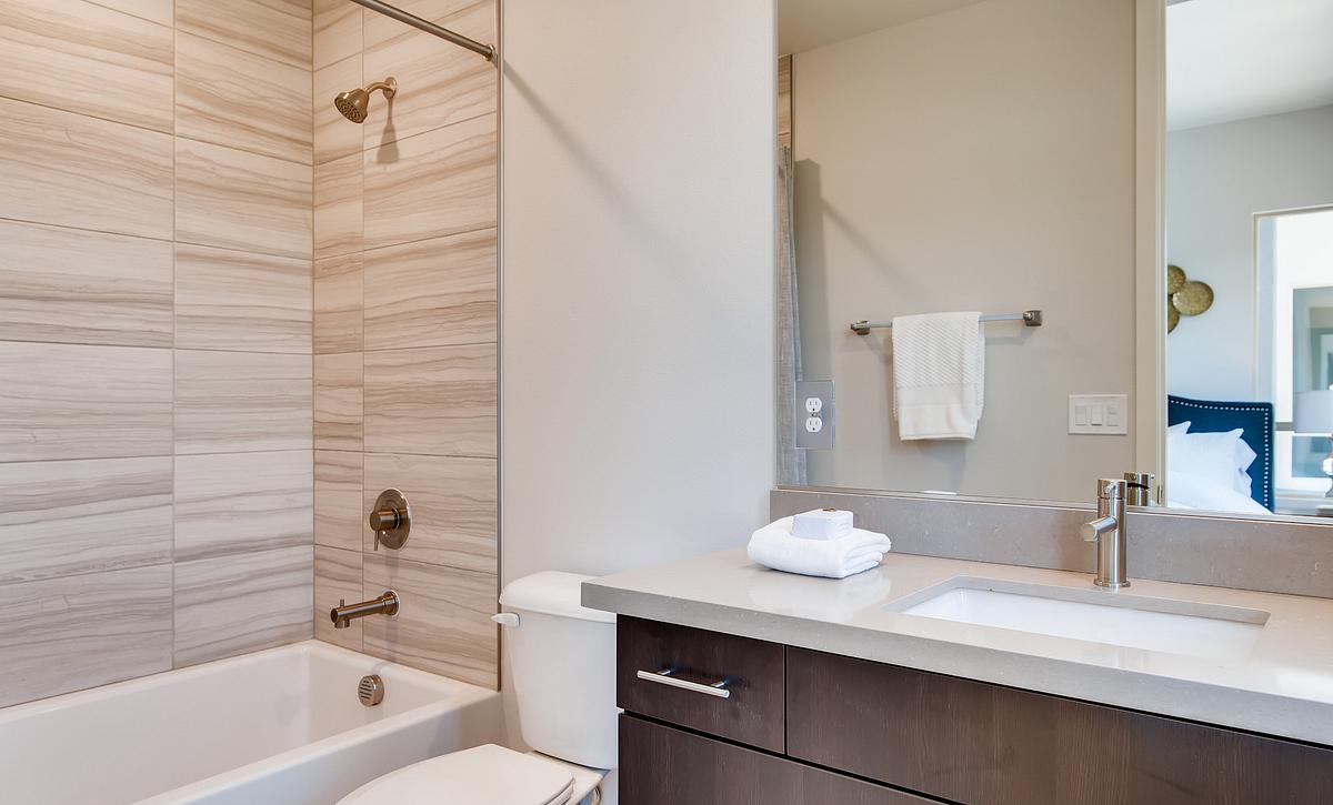 Trilogy Summerlin Inspire Guest Bath