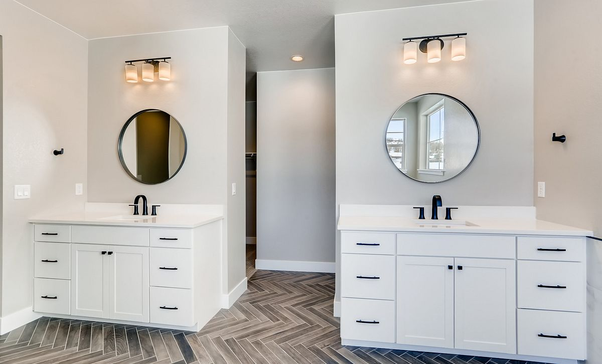 Canyons Luxe Weston Master Bath Vanities