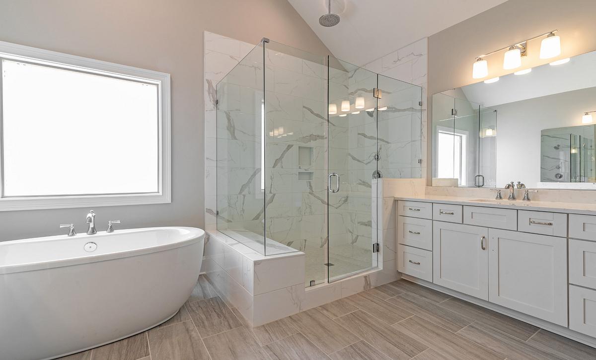 Preston plan Owner's Bath