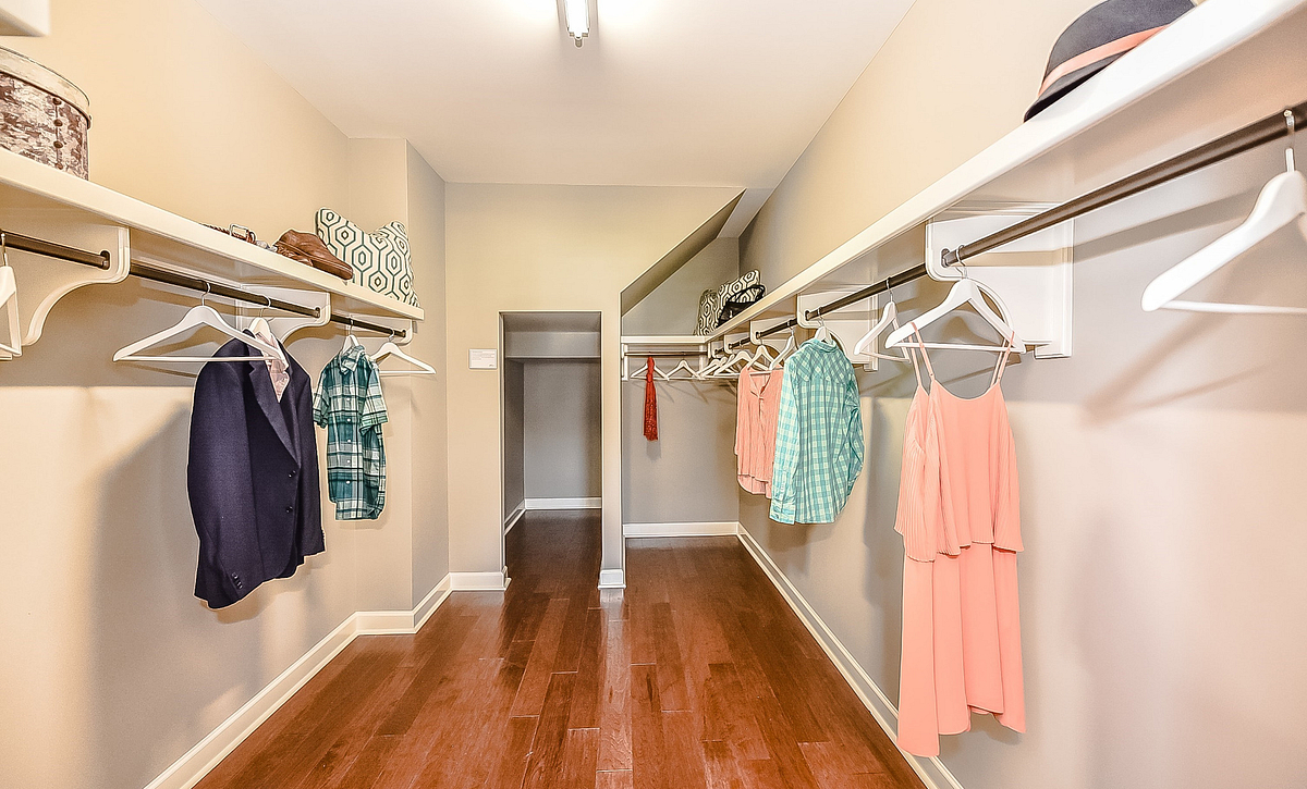 Redwood plan Owner's Walk-in Closet