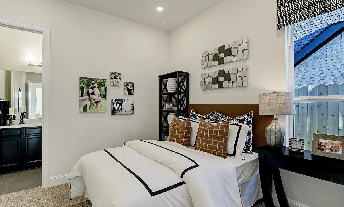 Del Bello Lakes Plan 6015 Bedroom 3