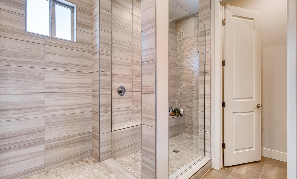 Trilogy Summerlin Inspire Master Bath
