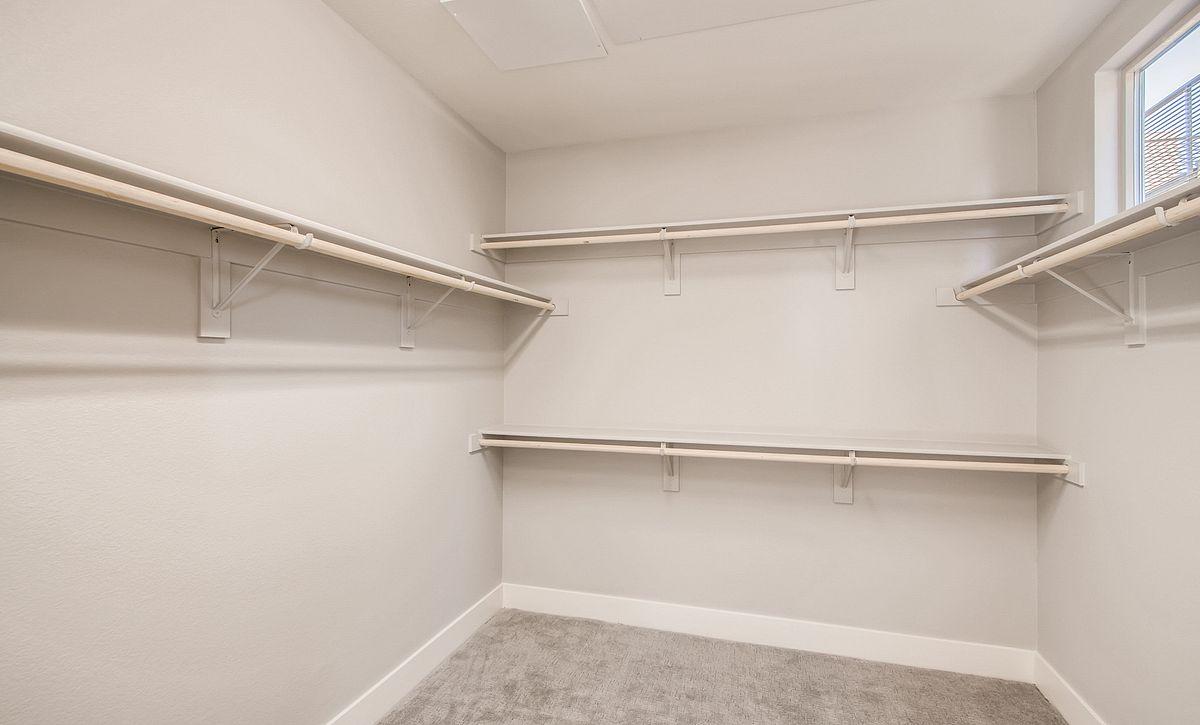 Trilogy Summerlin Inspire Master Closet