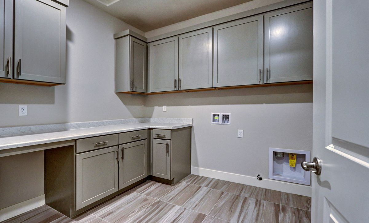 Trilogy in Summerlin Reflect Laundry Room