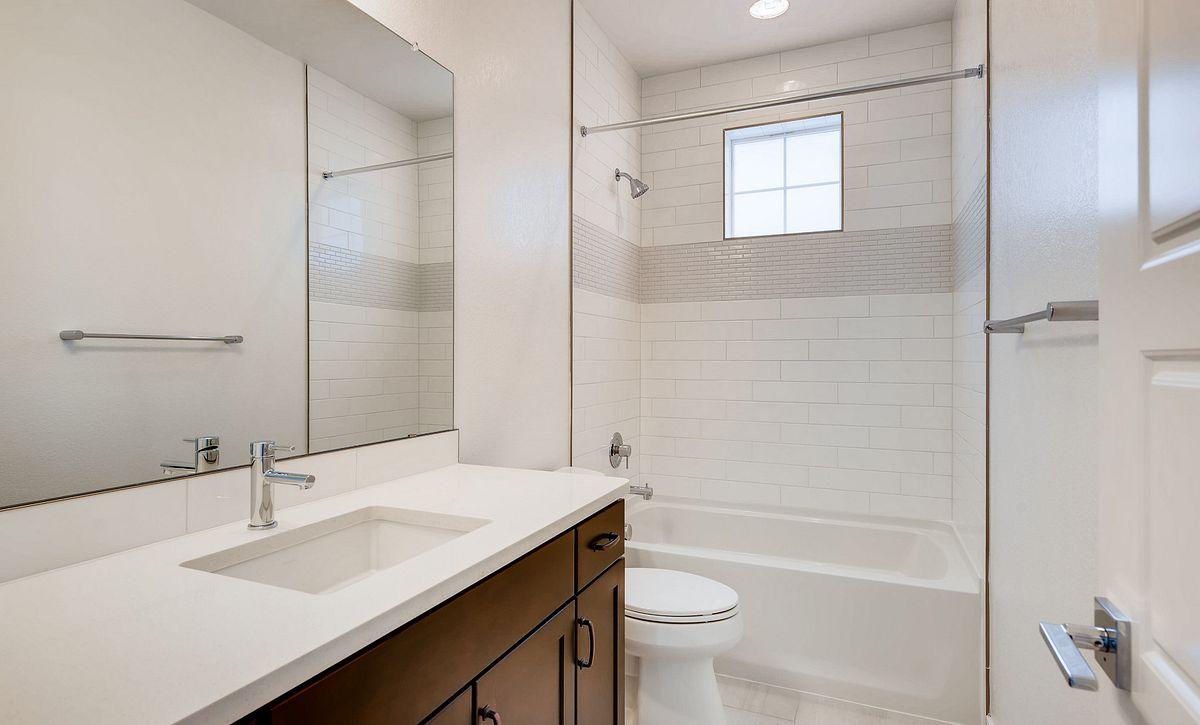 Central Park Plan 2202 QMI Lot 55 Bath 2
