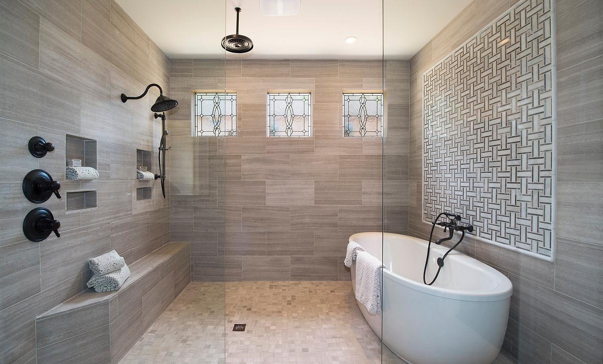 Grayson Owner's Bath Spa option