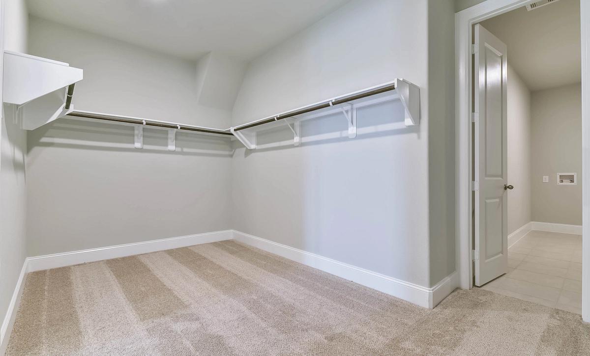 Sienna Plan 5039 Owner Closet