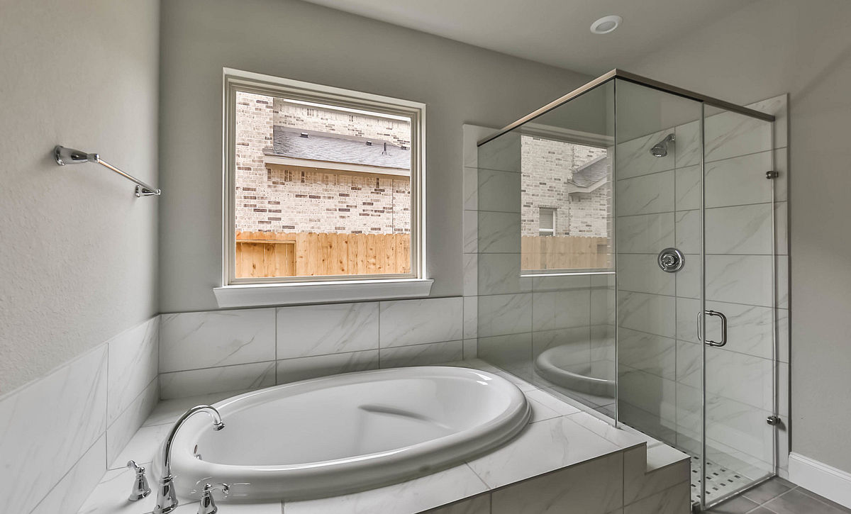 Plan 5059 Master Bath