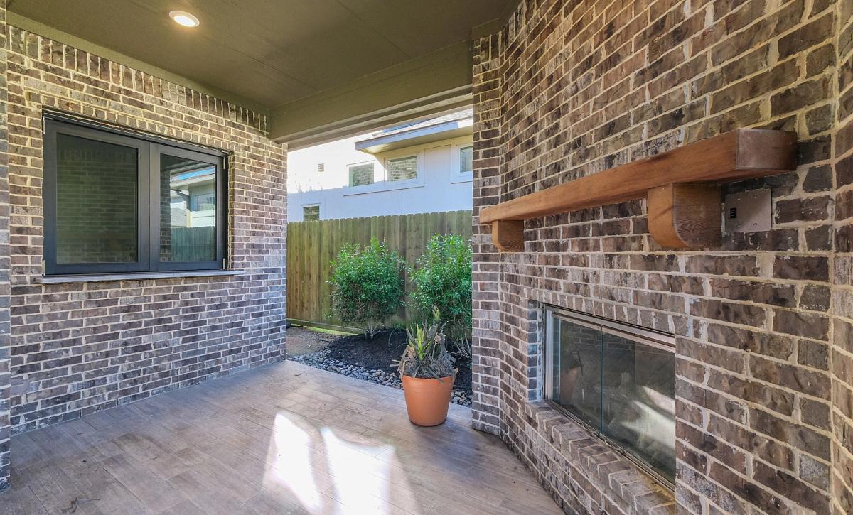 Del Bello Lakes 60 Plan 5050 Outdoor Living