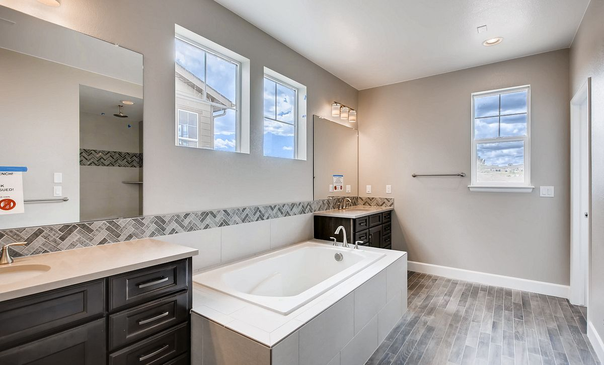 Whispering Pines Woodlands Bristlecone QMI Lot 3317 Master Bath