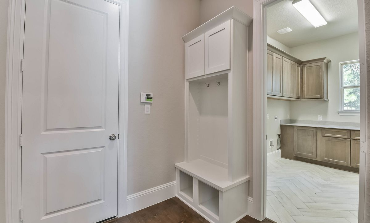 Plan 5050 Mud Room