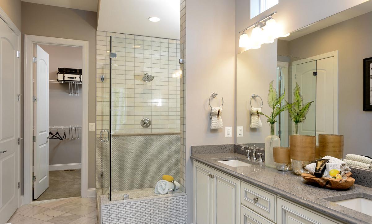 Engage Plan Owner's Bath