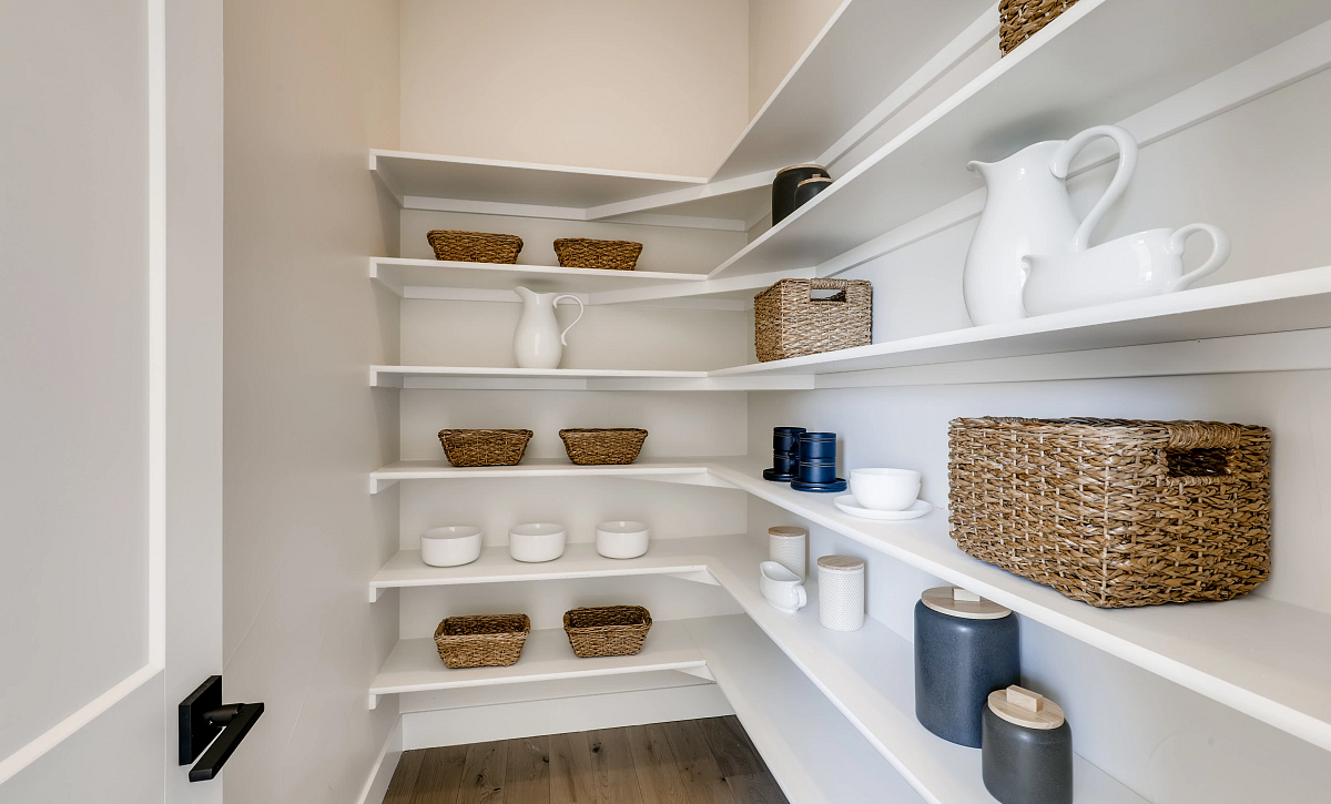 Canyons Reserve Legacy Kitchen Pantry