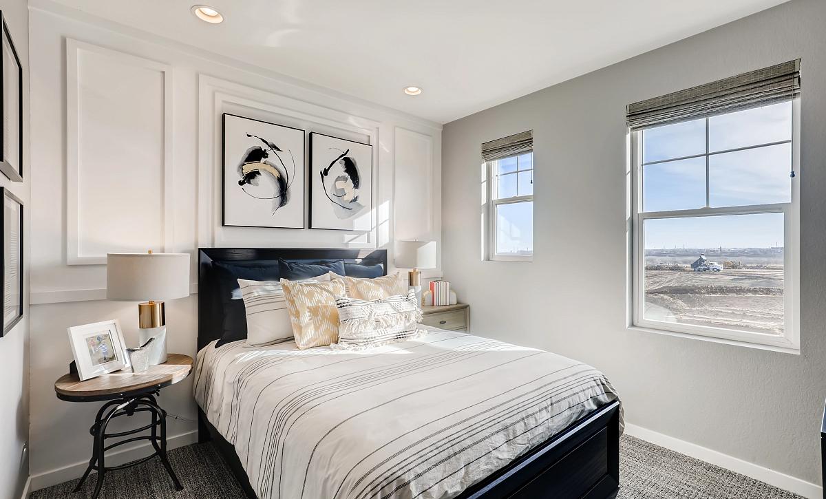 Solstice Stargaze Morningside Guest Bedroom