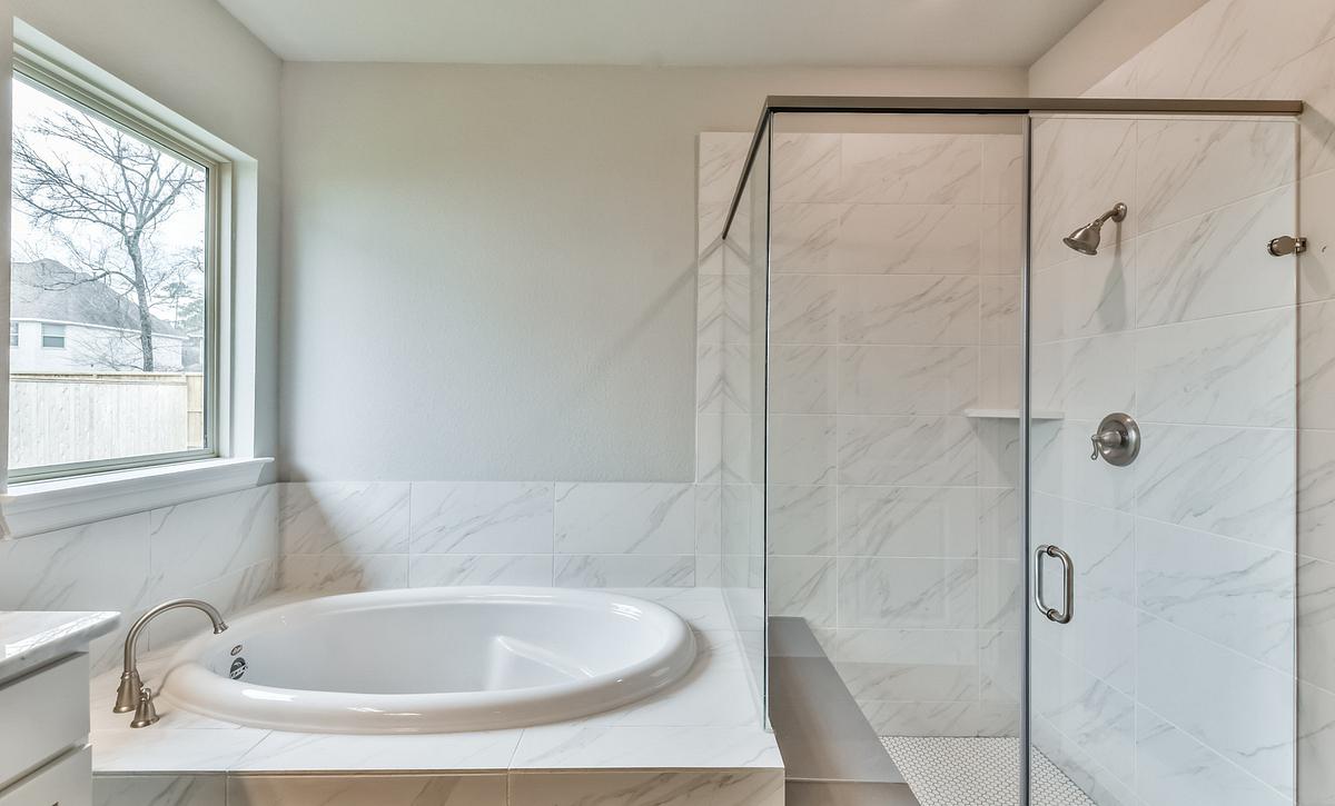 Sienna Plan 5049 Primary Bathroom