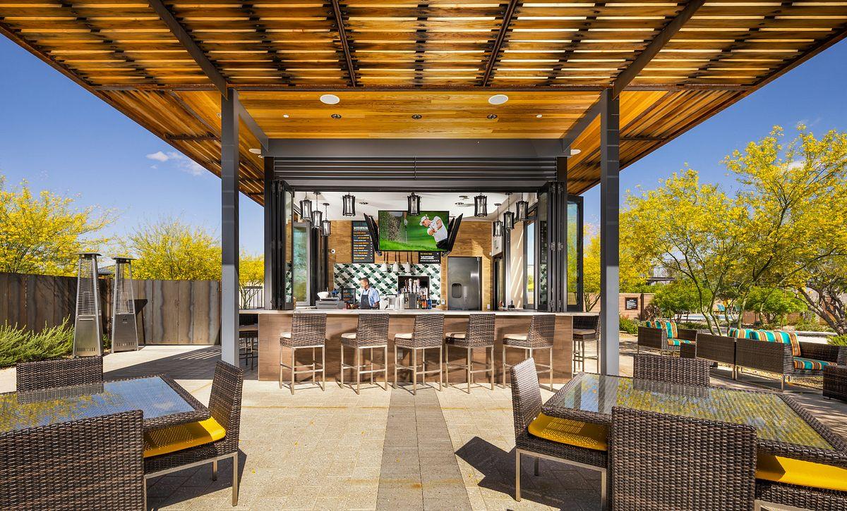 Eddy's Poolside Bar & Grill