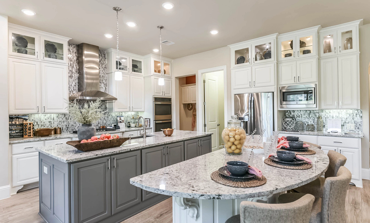 Del Bello Lakes Plan 5050 Kitchen