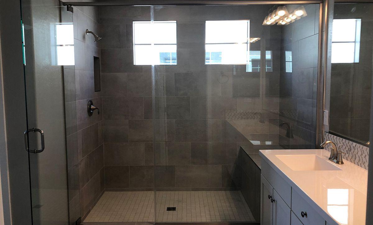24 North Homesite 27 Master Shower