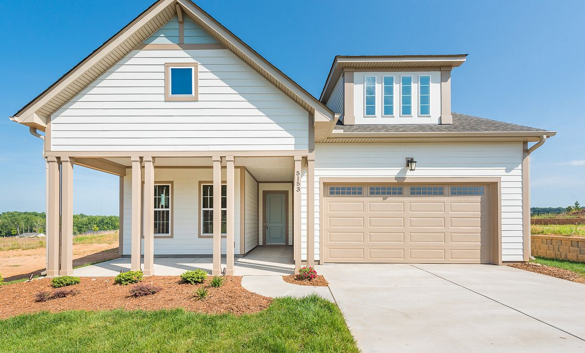 Trilogy Lake Norman Quick Move-In Home Graham with Loft Exterior