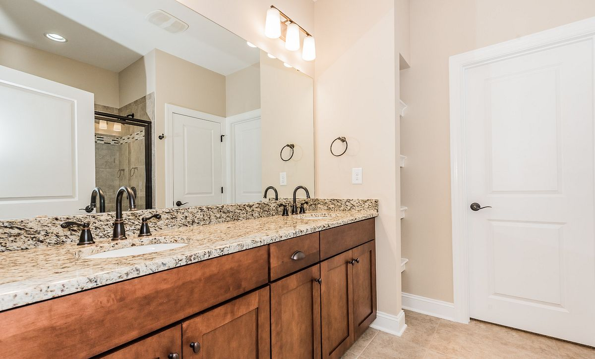Trilogy Lake Norman Quick Move In Glory Plan Master Bath