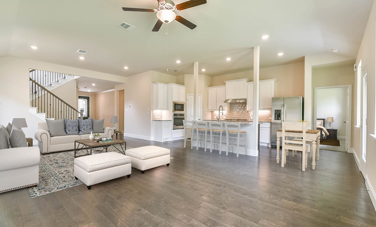 Plan 4049 Living and Kitchen