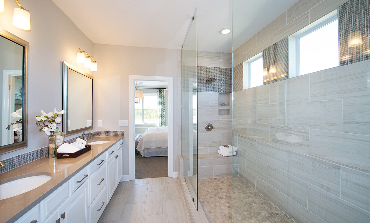 Oxford Plan Owner's Bath option