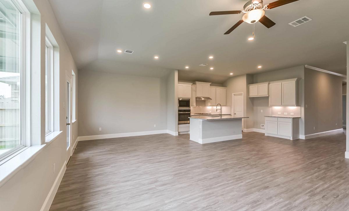 Harmony 50 Plan 4019 Living Room