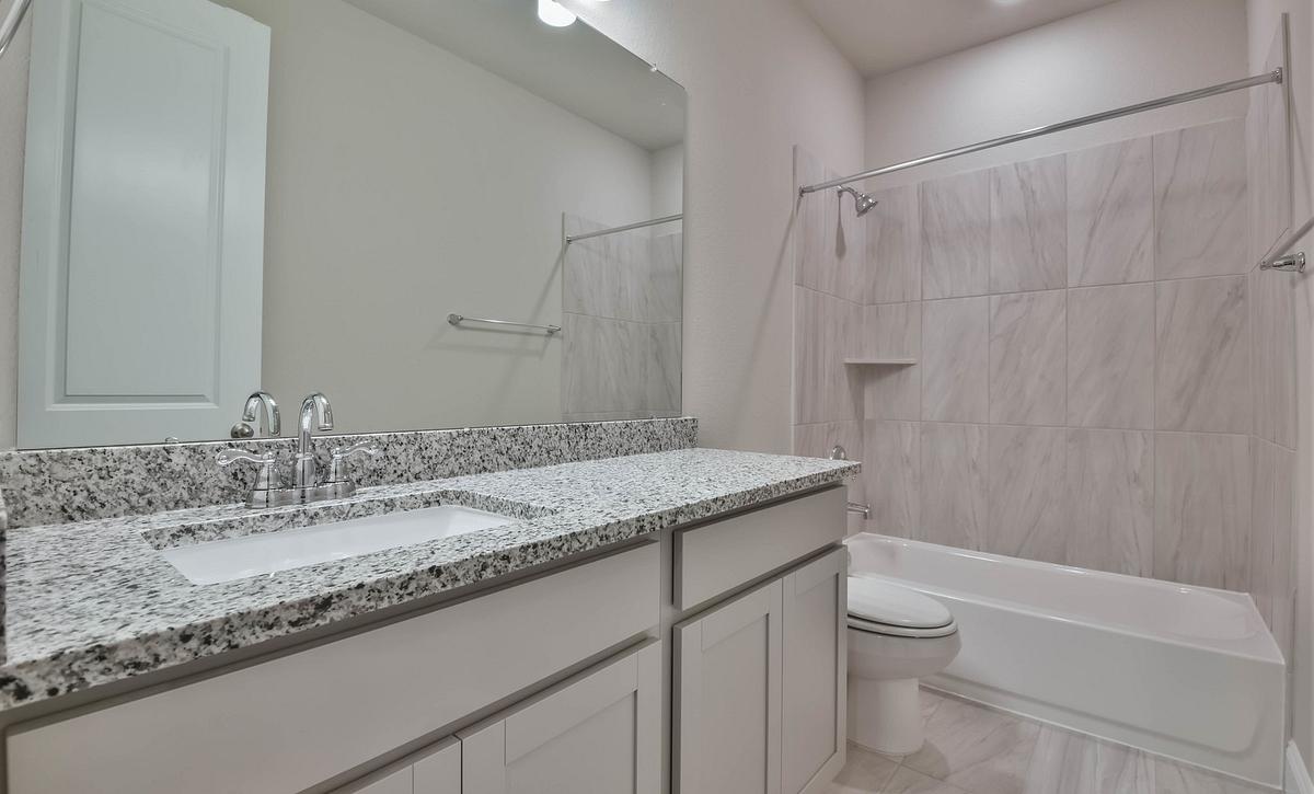 Plan 4029 Secondary Bathroom