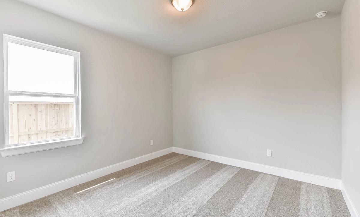 Sienna Plan 5039 Secondary Bedroom