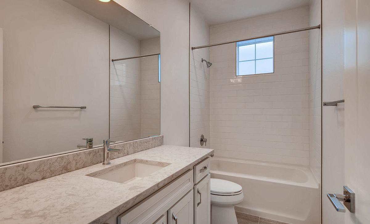 Crescendo at Central Park Plan 2202 Bathroom
