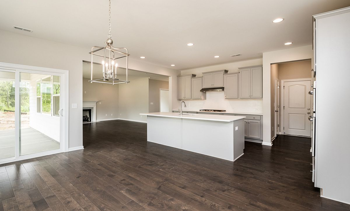 Weston Plan Kitchen, Breakfast & Family rooms