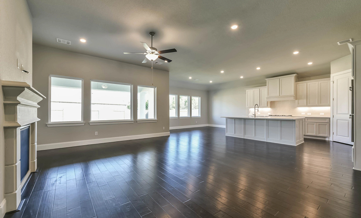 Del Bello Lakes 60 Plan 5009 HS 4102 Living Room