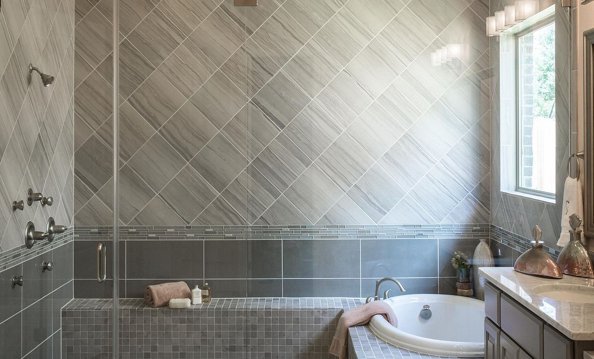 Plan 5050 Bath Modeled in Sienna Plantation