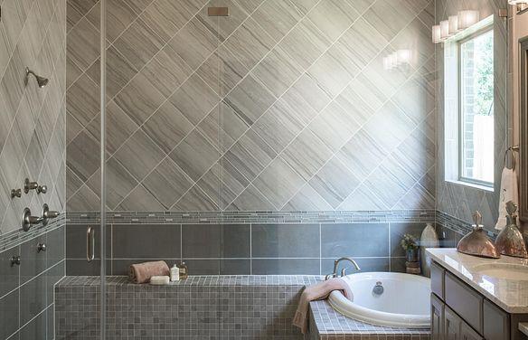 Plan 5050 Master Bath
