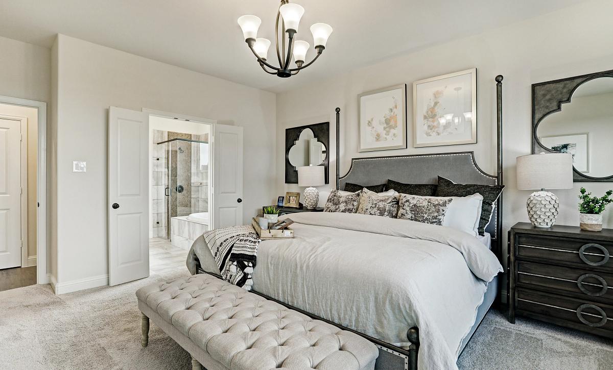 Del Bello Lakes 50 Plan 4069 Primary Bedroom