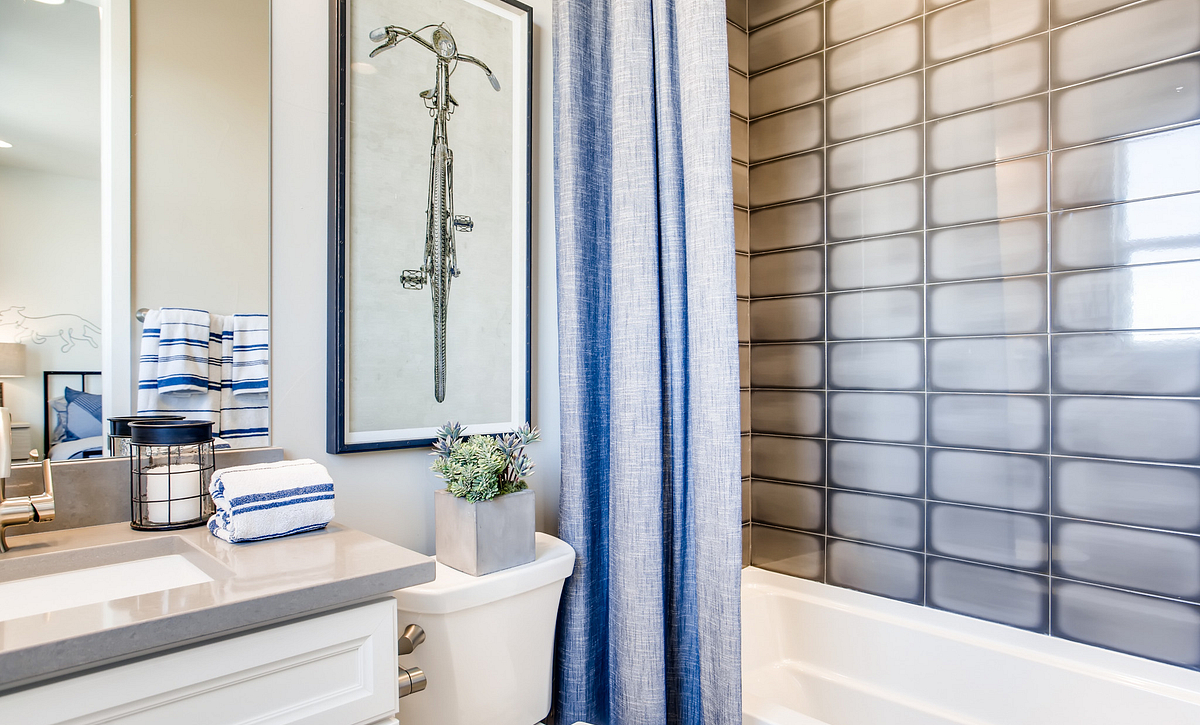 Canyons Luxe Hyde Bath 2
