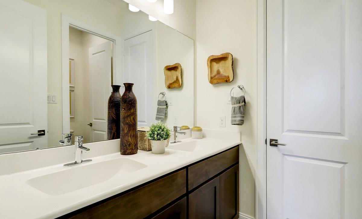 Meridiana 70 Plan 6020 Bathroom