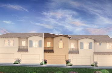 Monarch Ridge Townhomes Unit B Exterior