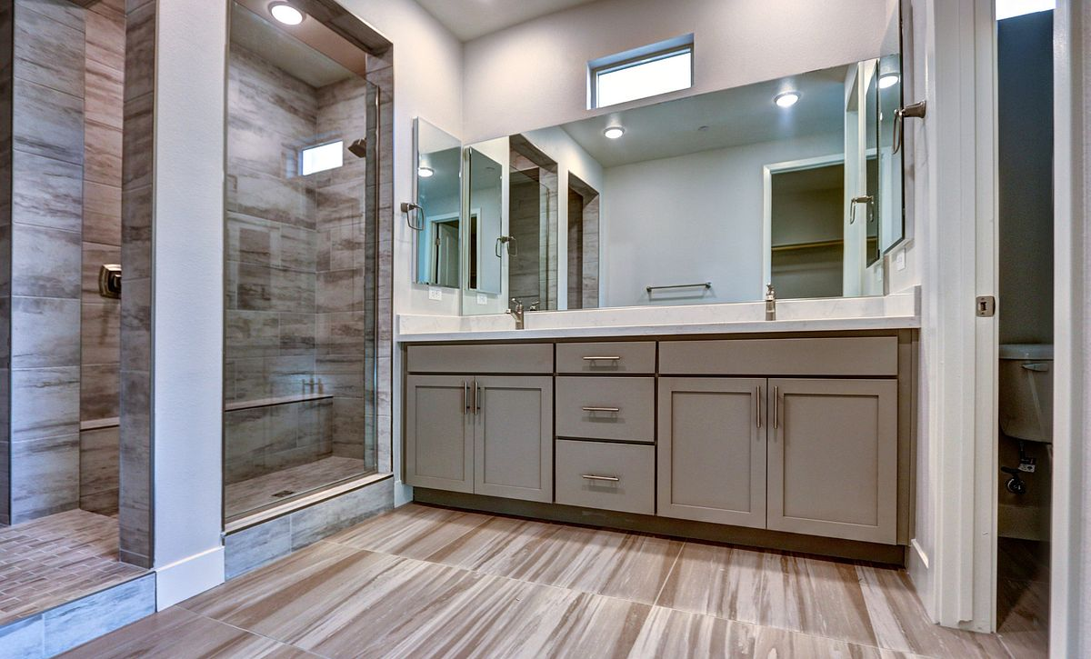 Trilogy in Summerlin Reflect Master Bath