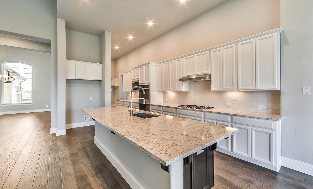 Del Bello Lakes QMI 3406 Plan 6015 Kitchen