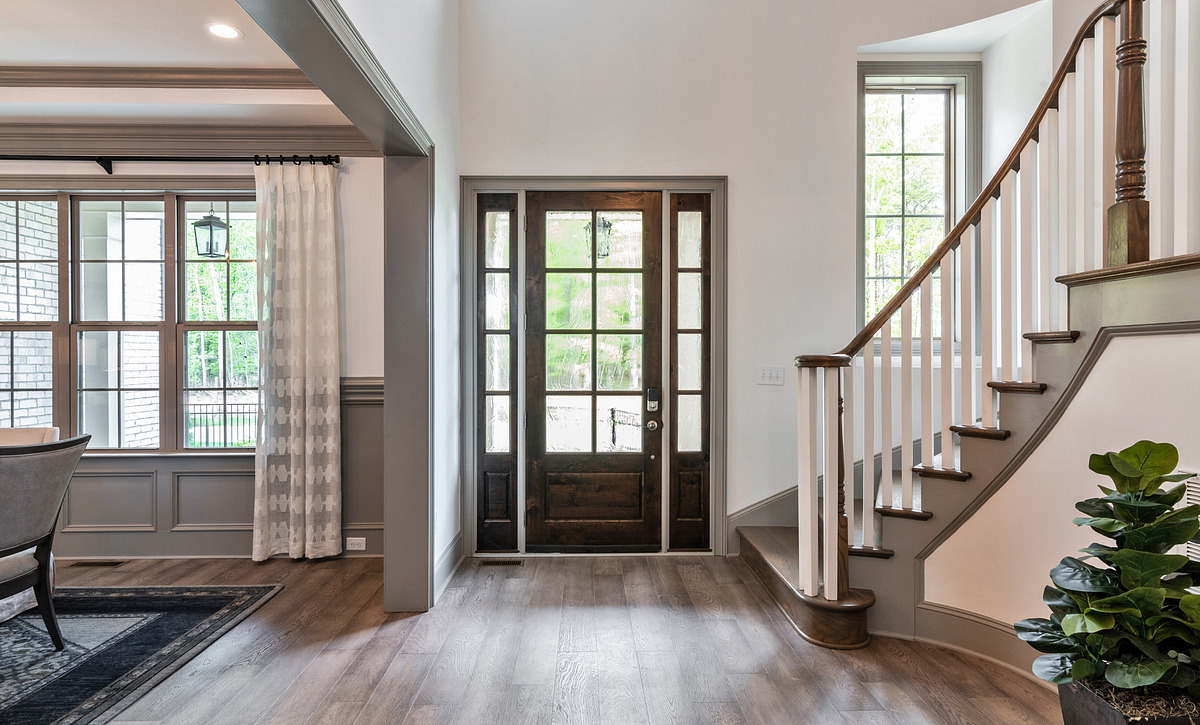 Amherst plan Foyer w/ optional curved staircase