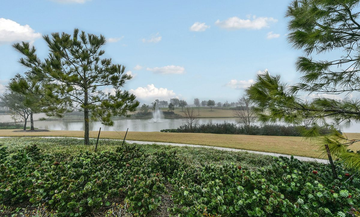 4023 Shackleton View