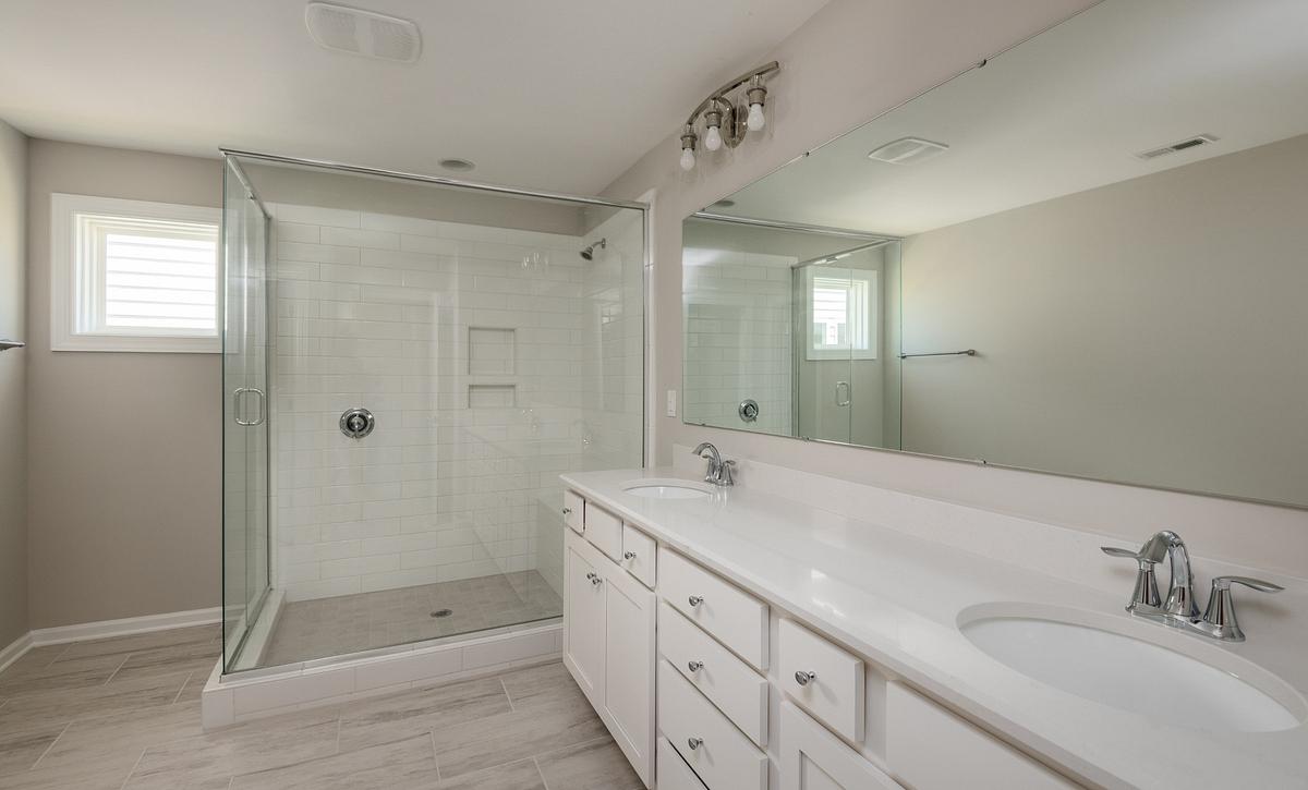 Kingston plan Owner's Bath