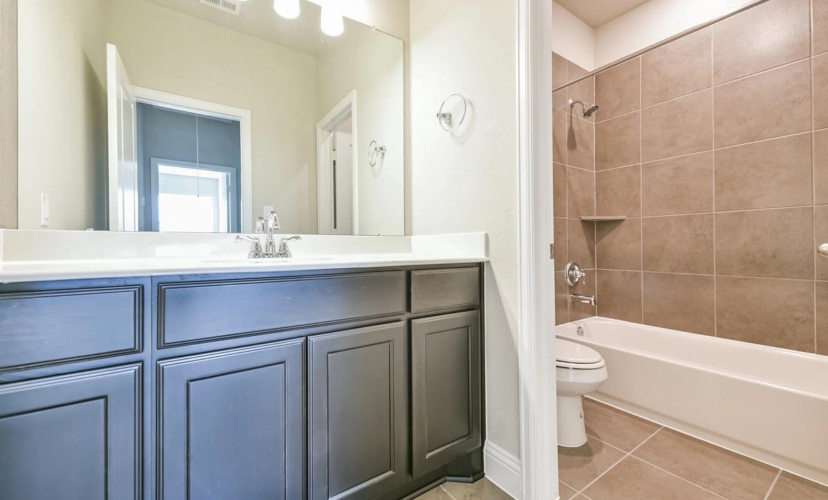 Plan 5050 Bathroom 2