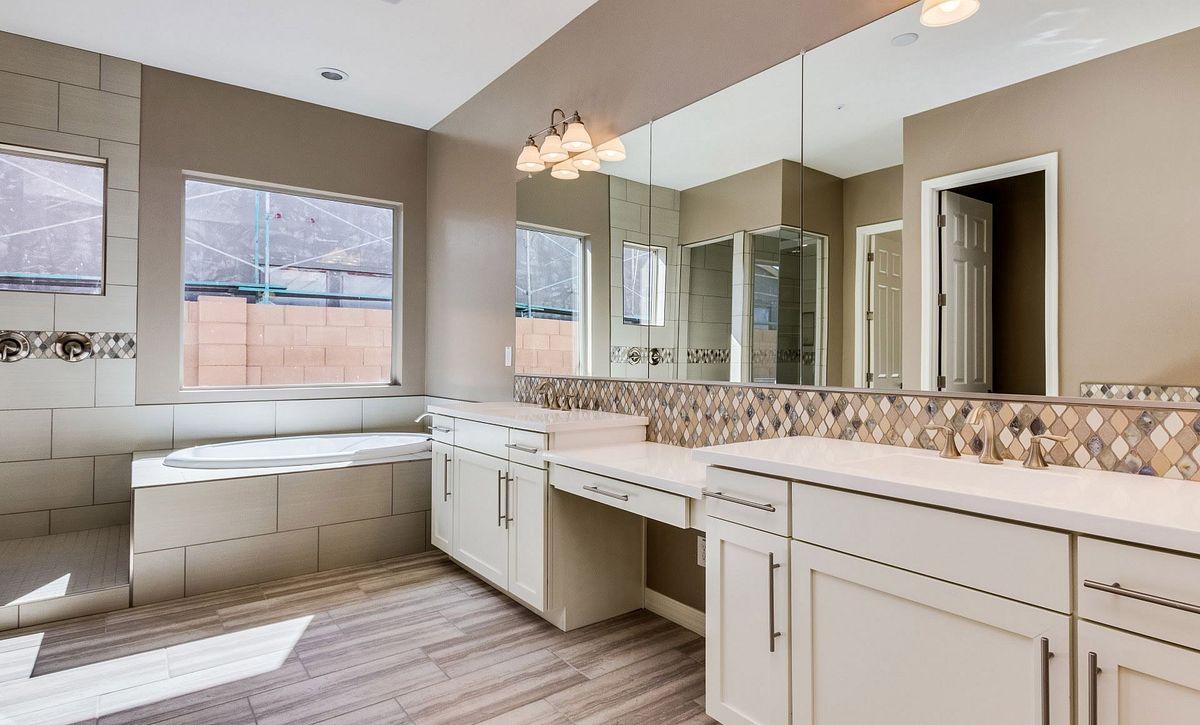 Homesite 6 Master Bathroom