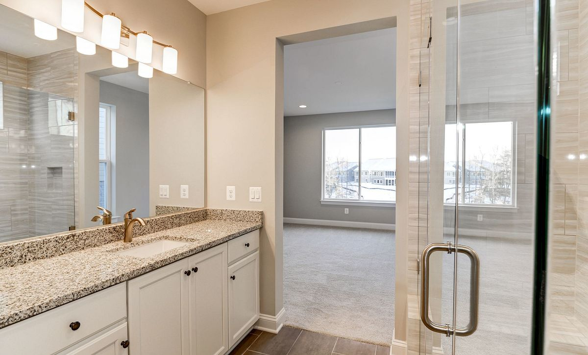 Trilogy at Lake Frederick Quick Move In Aspen Plan Owner's Bath