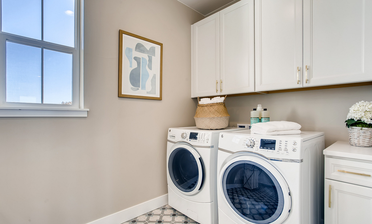 Canyons Luxe Hyde Laundry