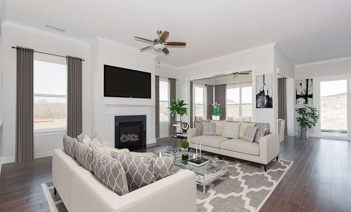 Trilogy Lake Norman Quick Move In Great Room
