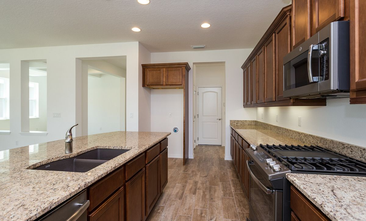 Trilogy Orlando Quick Move In Home Larkspur Kitchen